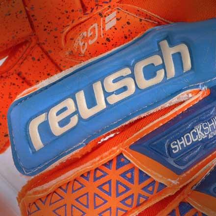Guantes de portero de fútbol Reusch