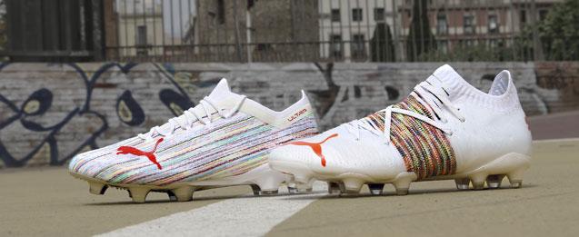 botas de fútbol Puma colección Spectra pack color blancas.