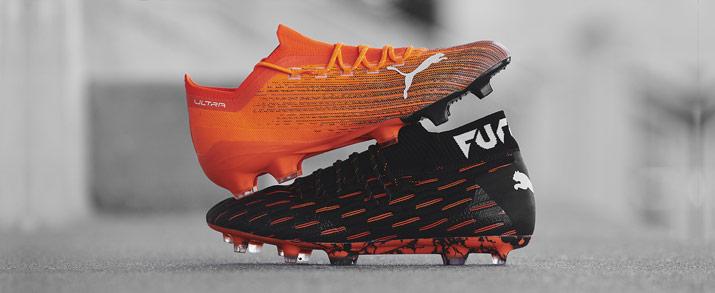 botas de fútbol Puma colección Chasing Adrenaline, modelo Future color negro con detalles naranja y Ultra bota de color naranja.