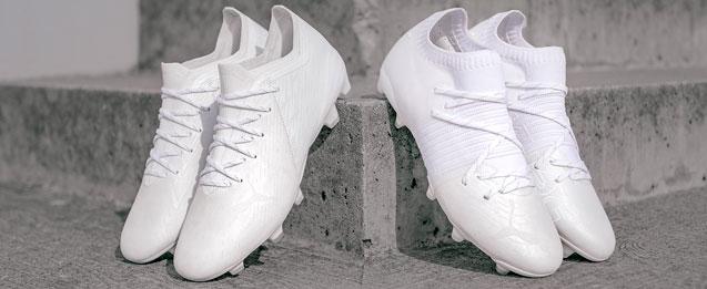botas de fútbol Puma Lazertouch Pack, Ultra y Future color blancas.
