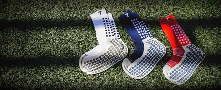 Nuevos calcetines antideslizantes trusox; aparecen unos calcetines de color blanco, azul y rojo. Todos los calcetines trusox lo encuentras en futbolmania