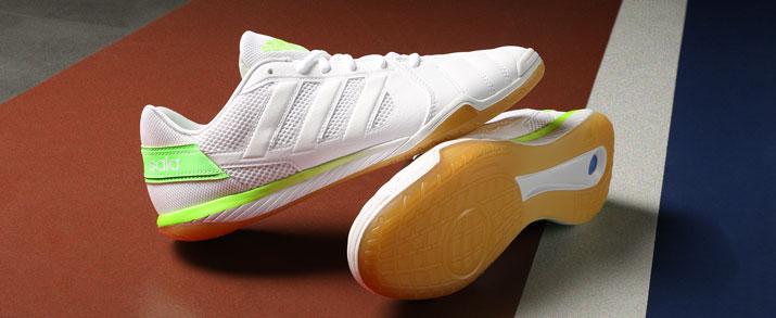Zapatillas fútbol sala Adidas Top Sala color blanco con franjas verdes