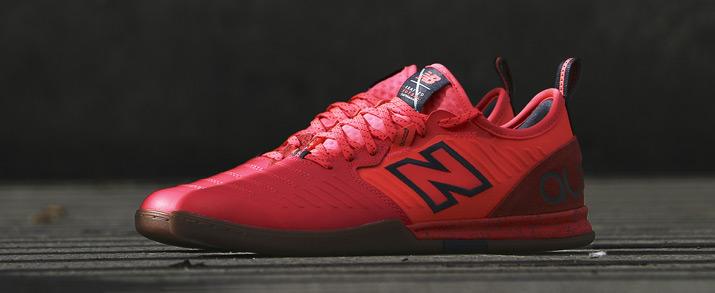 zapatillas sala New Balance Audazo color rojas.